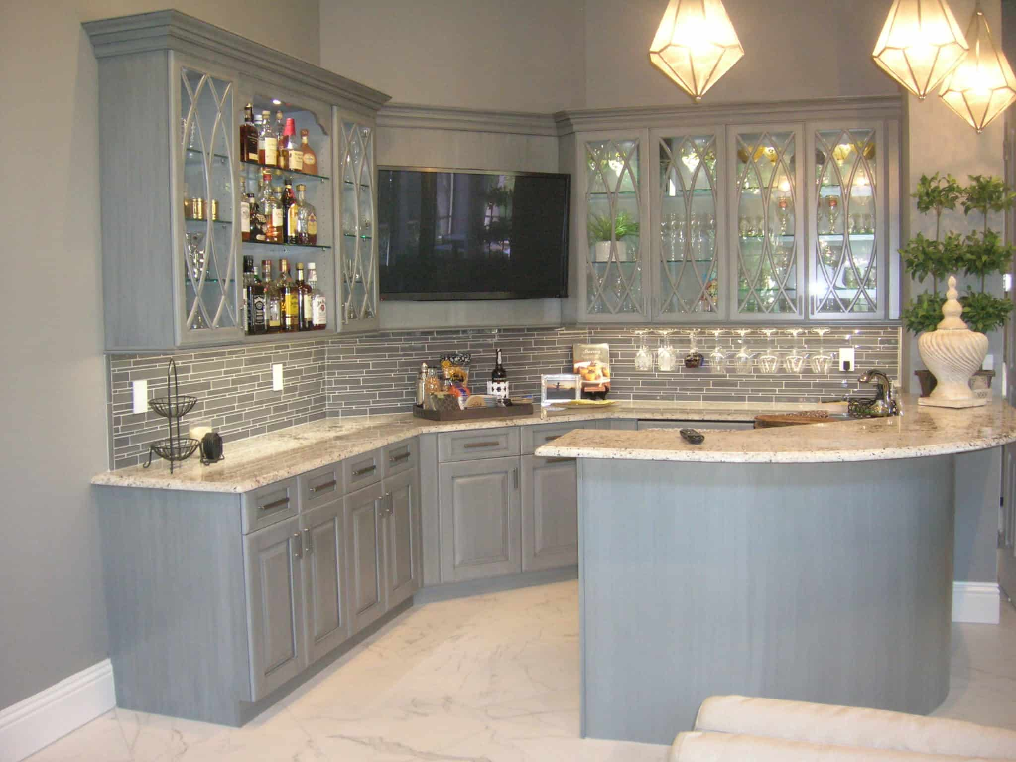 Delicieux White Kitchen Cabinets With Glass Doors