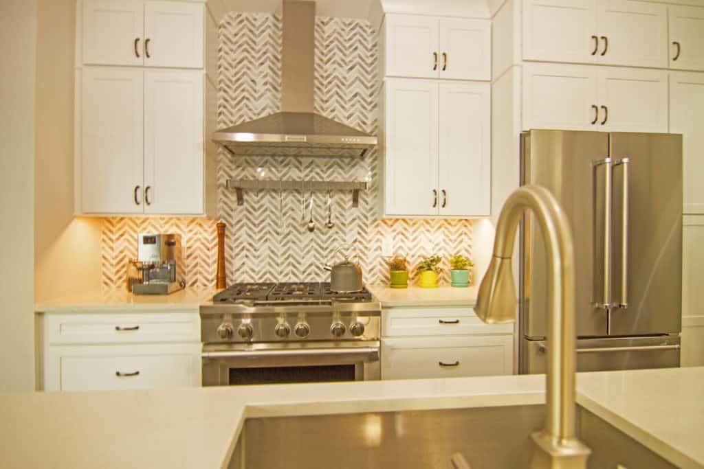 Custom cabinet lighting solutions