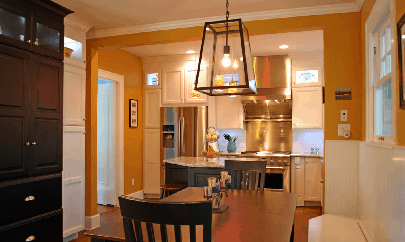light fixture over kitchen table