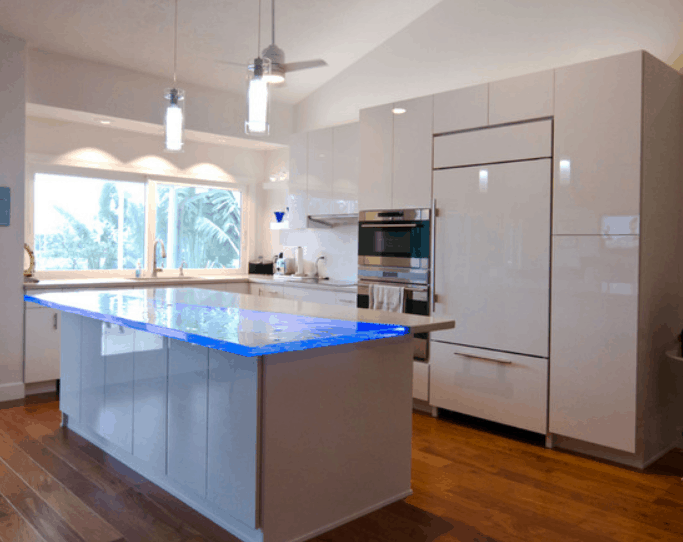 Modern Kitchen designed by Shawn